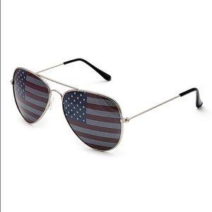 Steve Madden American Flag Aviator Sunglasses NWT